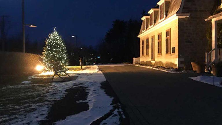 Installation de lumières de Noël