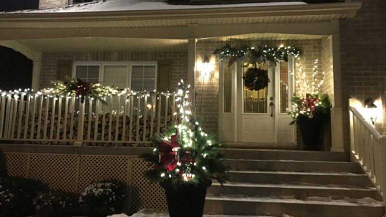 Décorations de Noël extérieures avec lumières